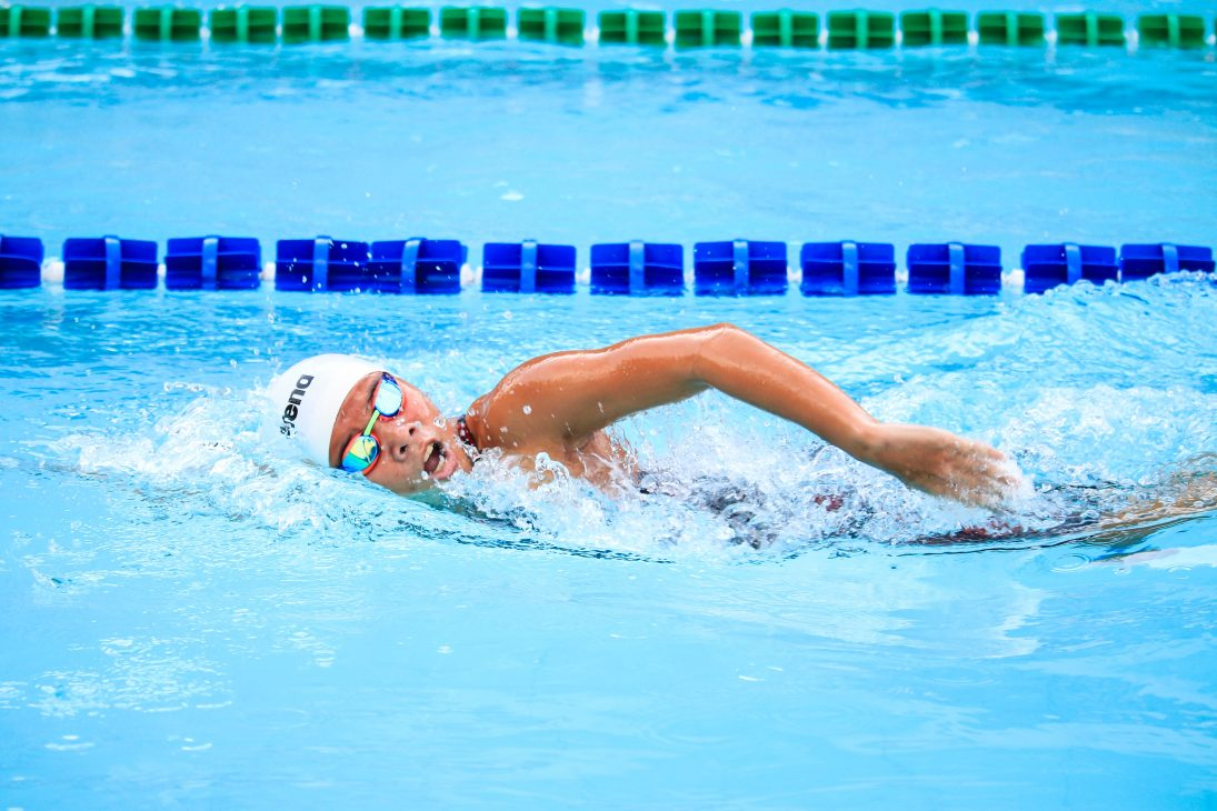 swimming sprint