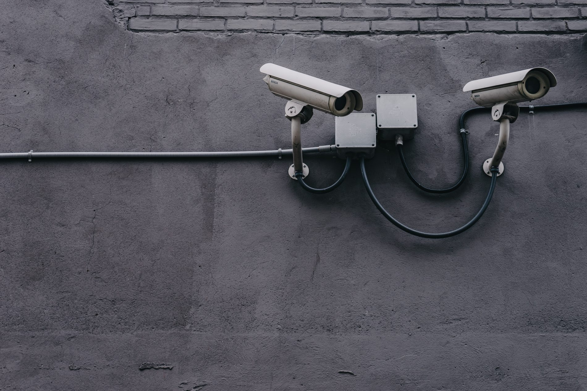 can wireless cameras work without internet?